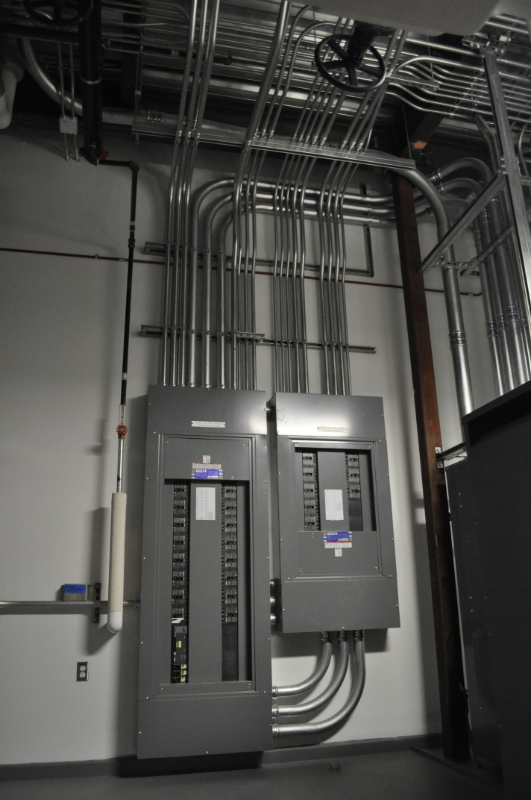 "This project included the design build construction of a new 100,000 square foot teaching and laboratory facility at the University of Alaska, Fairbanks campus. Systems included were the medium voltage service, 480/227Volt distribution system, 120/208Volt distribution system, lighting, networked lighting controls, branch power, communication, fire alarm, security, audio/video and a lightning protection system. <a href=""uaf-science.html"">See full gallery</a>"